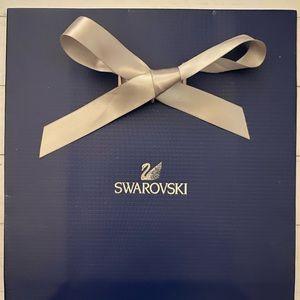 ✅Swarovski gift bag.